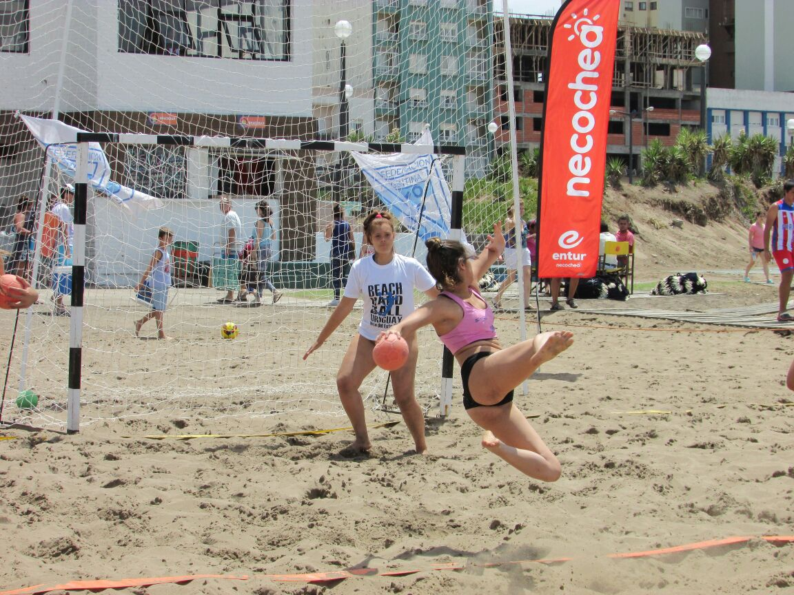 Amistoso internacional de beach handball